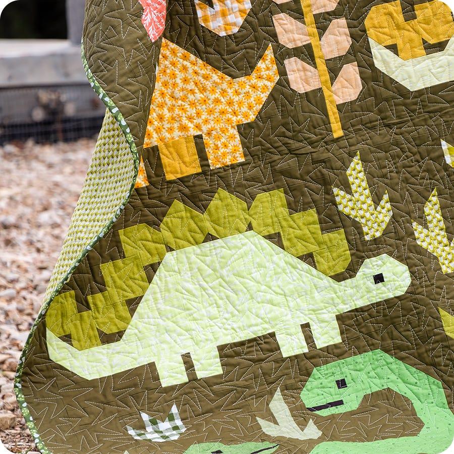 DESERT DINOSAURS /& DINO SCALES CUTE FUN BRIGHT100/% cotton patchwork quilt fabric